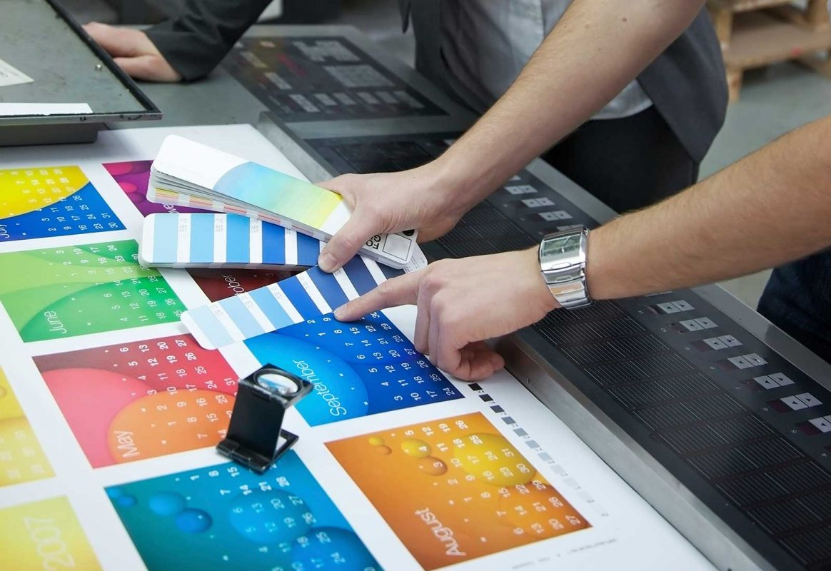 In kỹ thuật số và in offset đều là những kỹ thuật in ấn hiện đại được ứng dụng phổ biến